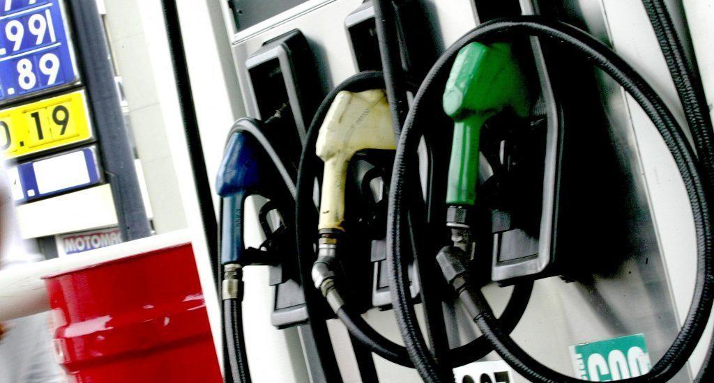 Alza petrolera impactará en los precios de los combustibles - elPais.do