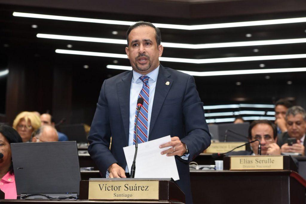 Víctor Suárez renuncia del PLD